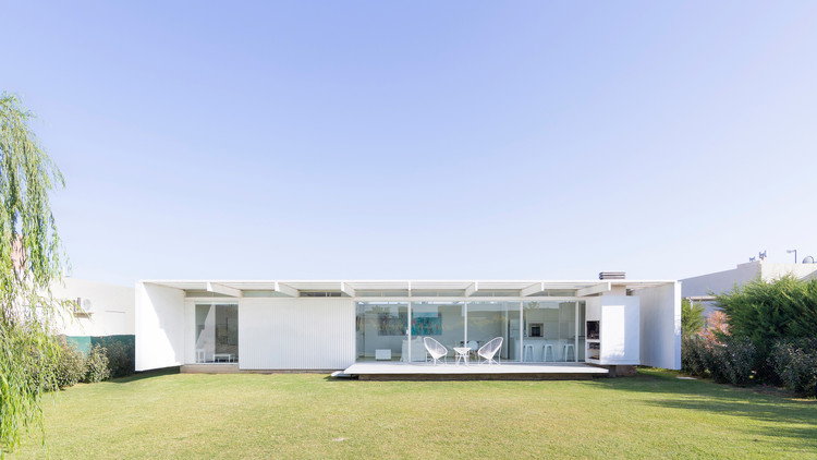 Residência em El Maitén / bernardo rosello - arquitectura, © Ramiro Sosa