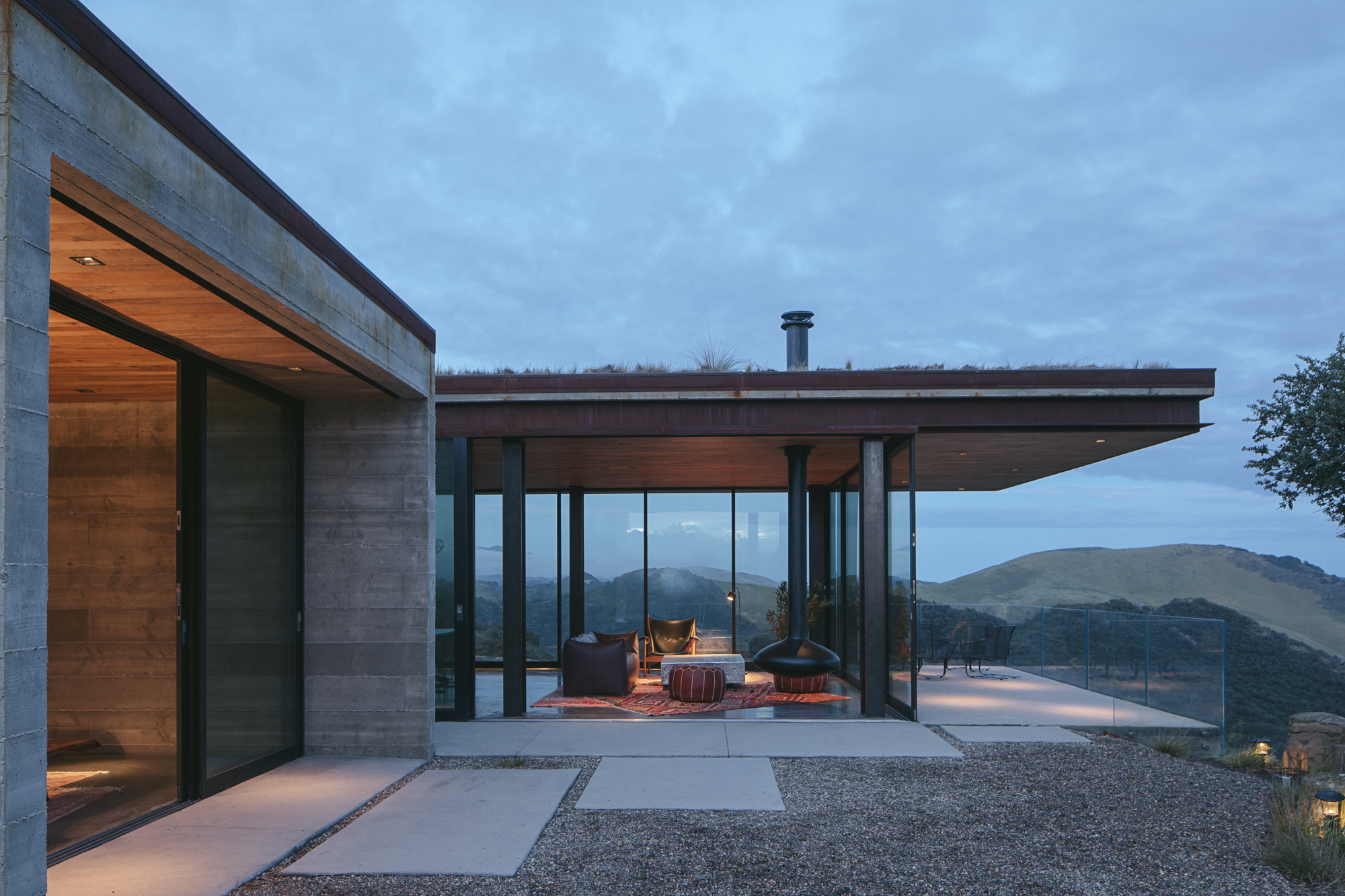 Off-Grid Guest House / Anacapa
