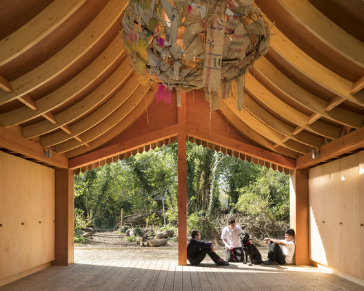 Belvue School Woodland Classrooms, London / Studio Weave Ltd. Image © Jim Stephenson