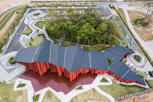 Galería Red Hill  / MOA Architects + Formzero