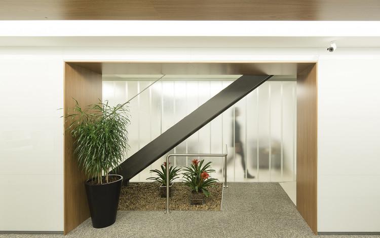Escritório 10C / Reinach Mendonça Arquitetos Associados, © Tony Chen