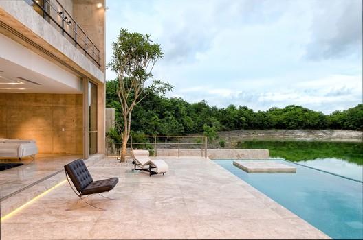 Casa Cancún / Studio Francisco Elías