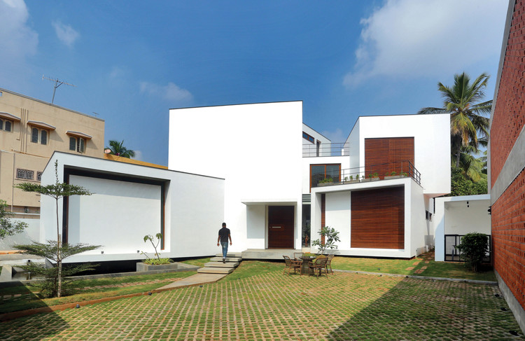 A House of Small Talks / WARP architects, © Prasanth Mohan, Running Studios
