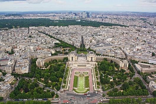 "Paris. Image via pixabay user ""teleistapix"" licensed under CC BY 2.0"