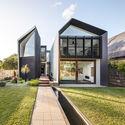 Iron Maiden House / CplusC Architectural Workshop © Murray Fredericks