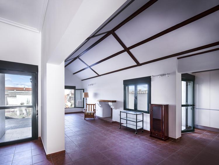 Casa de Campo en Las Herencias / OOIIO Arquitectura, © niveditaa gupta