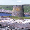 © <a href='https://en.wikipedia.org/wiki/File:Broch_of_Mousa_-_geograph.org.uk_-_2800.jpg'>Anne Burgess</a> licensed under <a href='https://creativecommons.org/licenses/by-sa/2.0/deed.en'>CC BY-SA 2.0</a>