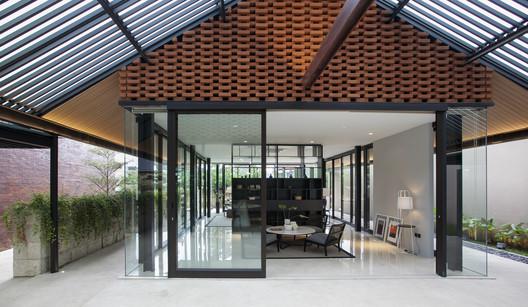 Roemah Kampoeng / Paulus Setyabudi Architects