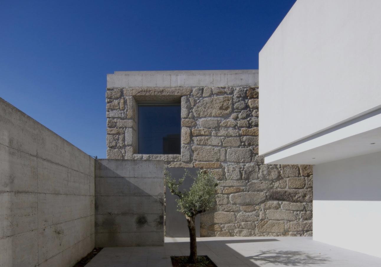 Casa en Sátão / Jorge Mealha