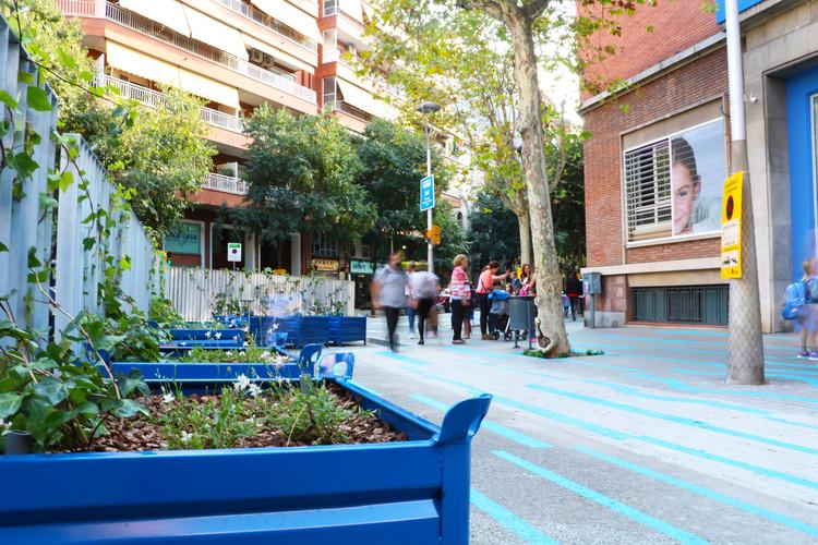 Leku Studio testa estratégias de urbanização reversível em escolas de Barcelona, Cortesía de Leku Studio