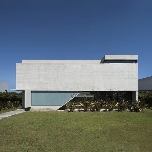 BLQ House / Luciano Kruk