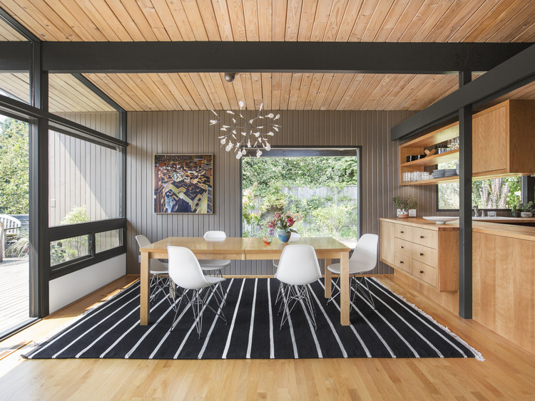 Residencia Hillside Midcentury / SHED Architecture & Design, © Rafael Soldi