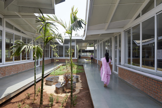 Universidad de Información Tecnológica K.J. Somaiya  / Sameep Padora & Associates