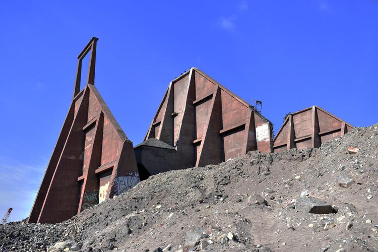 Investigación explora el legado de nueve ruinas industriales a lo largo de Chile, Muelle Mecanizado de Caldera. Image © Valentina Soto + Sandro Maino + Claudia Torres