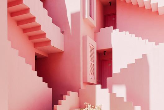 La Muralla Roja / Ricardo Bofill. Image © Gregori Civera