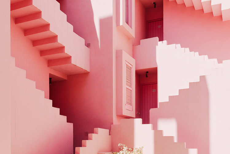 10 ArchDaily Projects That You Can Book Through Airbnb, La Muralla Roja / Ricardo Bofill. Image © Gregori Civera