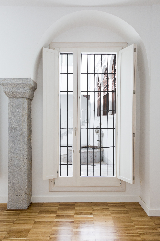 galer a de rehabilitaci n de la antigua sede del monte de piedad de granada dtr studio. Black Bedroom Furniture Sets. Home Design Ideas
