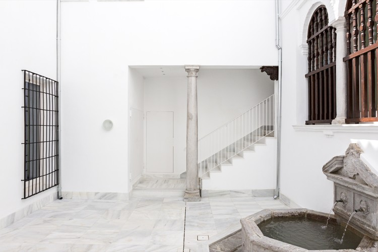 Refurbishment of the old Headquarters of the Granada Monte de Piedad / DTR_studio architects, © Cris Beltran