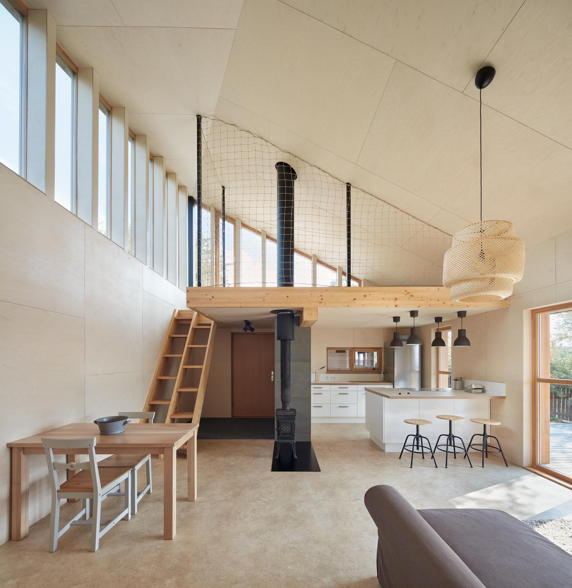 Chestnut House / Valarch Studio