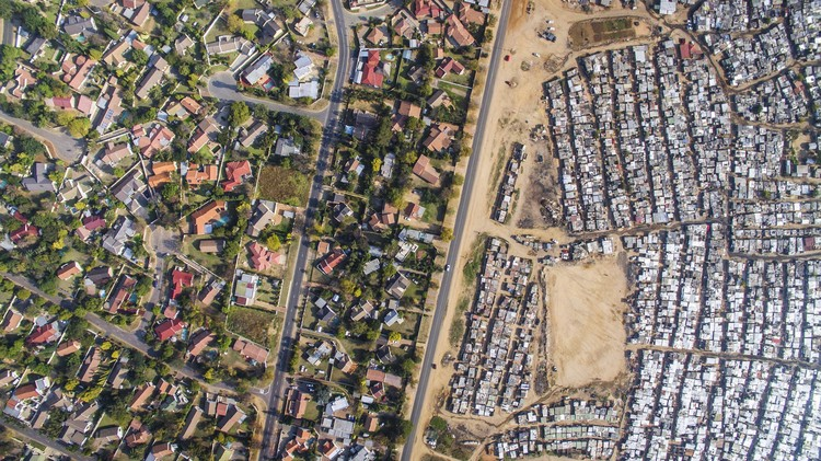 Social Inequality, As Seen From The Sky, Kya Sands, Johannesburg, South Africa. Image © Johnny Miller / Unequal Scenes