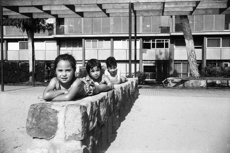 Conjunto Habitacional Matta Viel y su gente: testimonios de la pertenencia y apropiación, Archivo familia Parada González. Image Cortesía de Leonardo Suárez