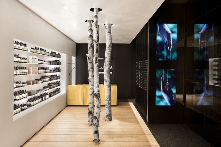AESOP Westmount / Alain Carle Architecte, © Adrien Williams
