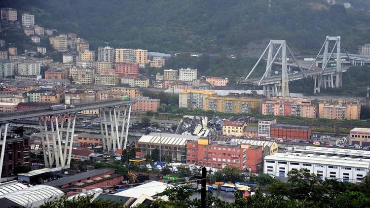 Desaba a ponte Morandi em Gênova deixando dezenas de vitimas, Imagem: said.touama. <a href='https://www.instagram.com/p/BmdtD8BHtuY/'>Via Instagram</a>