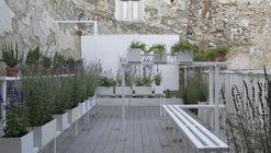Jardín aromático - espacio polinizador / x-studio