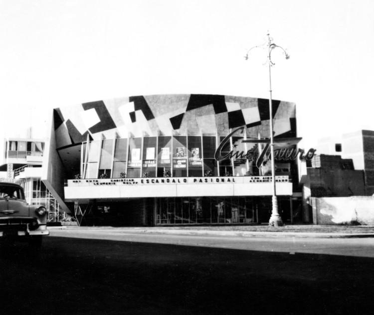 Clássicos da Arquitetura: Cine Tauro / Walter Weberhofer , Cortesía de CAMMP