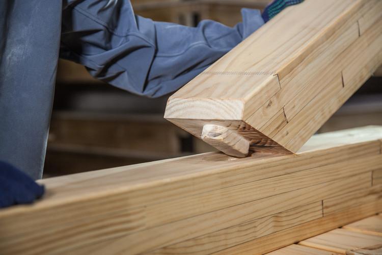 12 guías técnicas y consejos sobre construcción en madera, Uniones o Conectores de Madera | Timber. Image © Timber