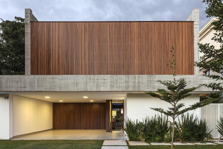 Castro House / Aguirre Arquitetura, © Leonardo Finotti