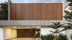Casa Castro / Aguirre Arquitetura