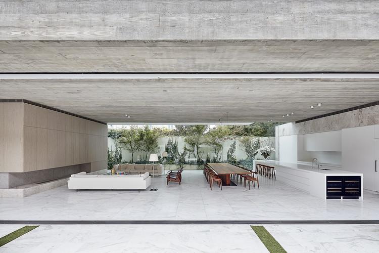 Toorak Residence / Architecton, © Jack Lovel