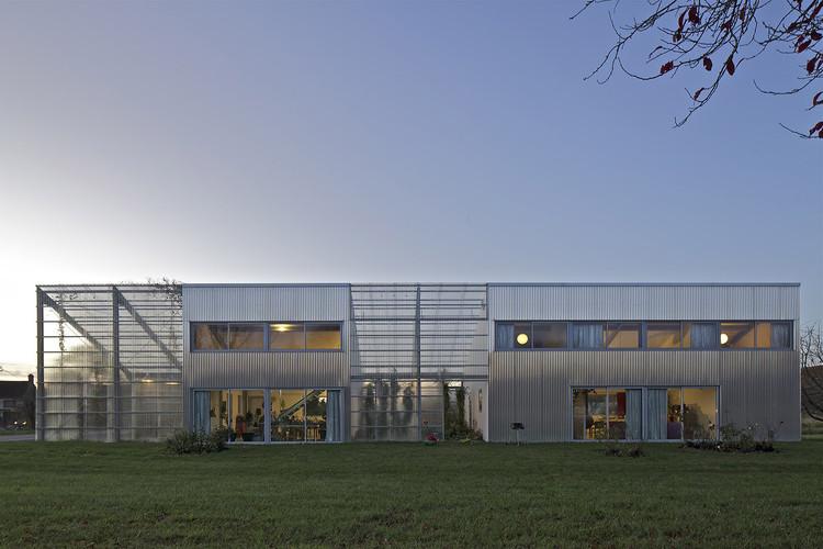 Maison + Agence. Image © Philippe Ruault
