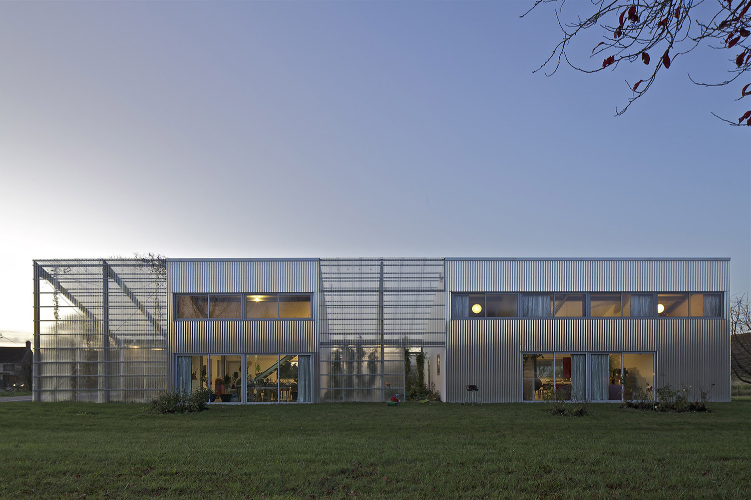 How to implement passive solar design in your architecture projects