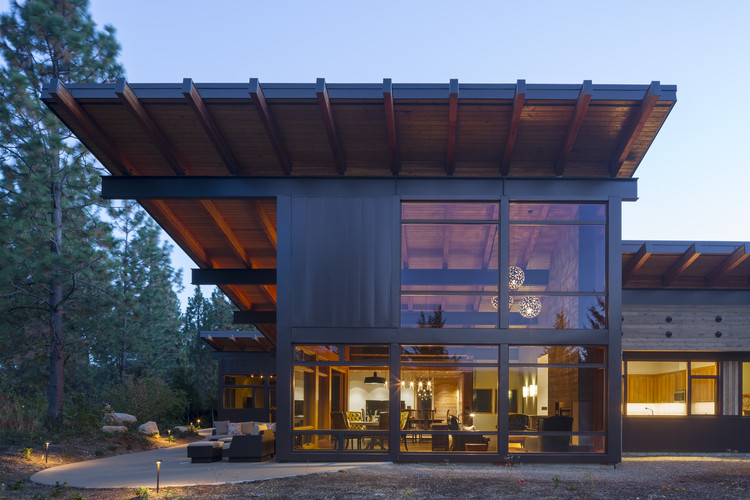 Cabaña Tumble Creek / Coates Design Architects, Cortesía de Coates Design Architects