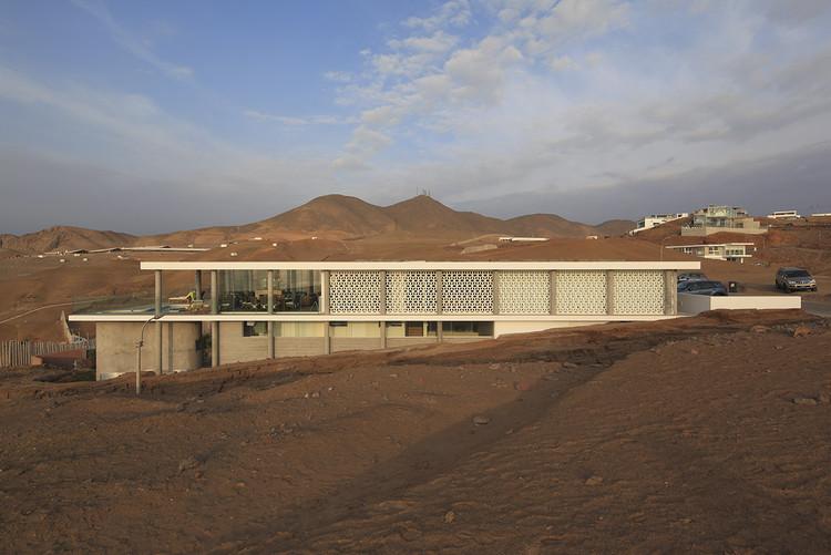 Casa Dominó / Metrópolis Oficina de Arquitectura  , © Juan Solano Ojasí