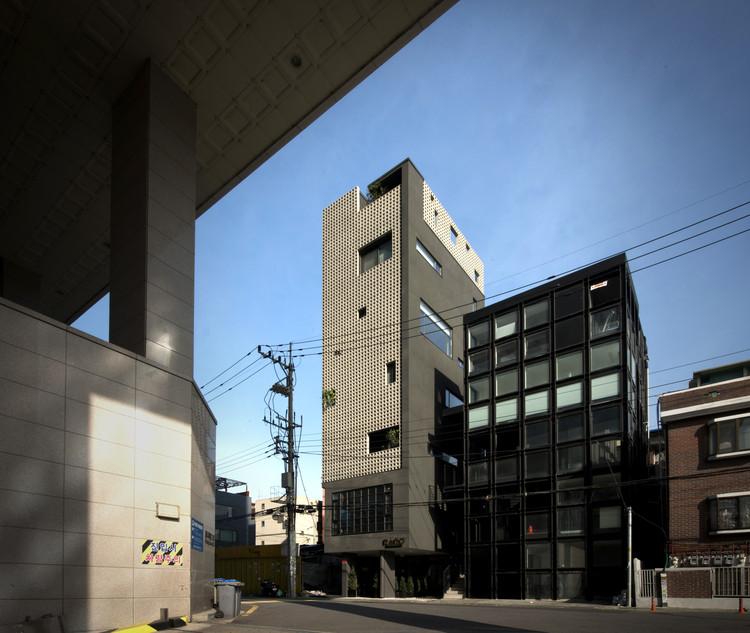 See-through Building / HBA-rchitects, © Junyeol Lee