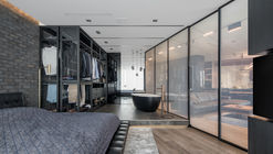 Black is Back / 33bY Architecture