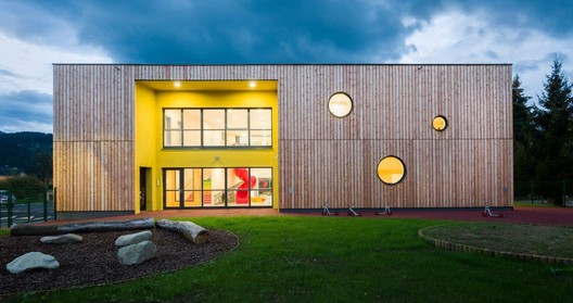 Šmartno Timeshare Kindergarten / Arhitektura Jure Kotnik. Image © Janez Marolt Photography