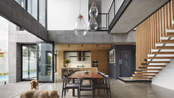Quarry House / Finnis Architects