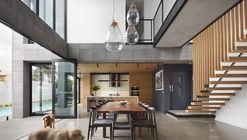Casa Pedreira / Finnis Architects