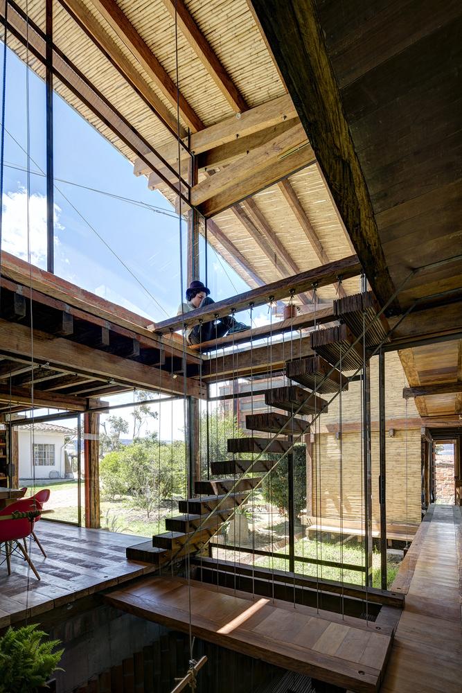 Galería de Casas con desniveles: 50 ejemplos en sección y ...