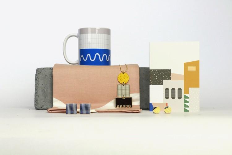 Tom Pigeon lanza colección de joyas inspirada en un ícono del brutalismo londinense, Vía Creative Boom