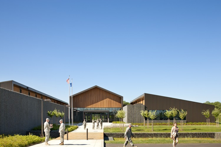Colonel Nesmith Readiness Center / Hacker Architects, © Lara Swimmer
