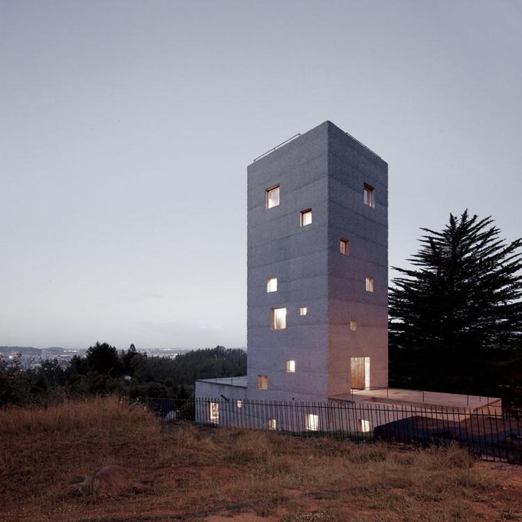 Bringing Work Home: 9 Times Architects Designed for Themselves, Cien House / Pezo von Ellrichshausen. Image © Cristobal Palma