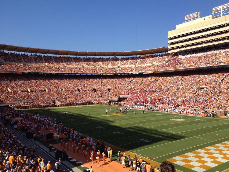 6. Neyland Stadium / Knoxville, Tennessee, USA. Image courtesy of flickr user kmoliver. Licensed under CC BY-NC 2.0