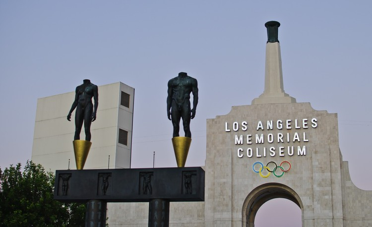 13. Los Angeles Memorial Coliseum / Los Angeles, California, USA. Image courtesy of flickr user skinnylawyer. Licensed under CC BY-SA 2.0