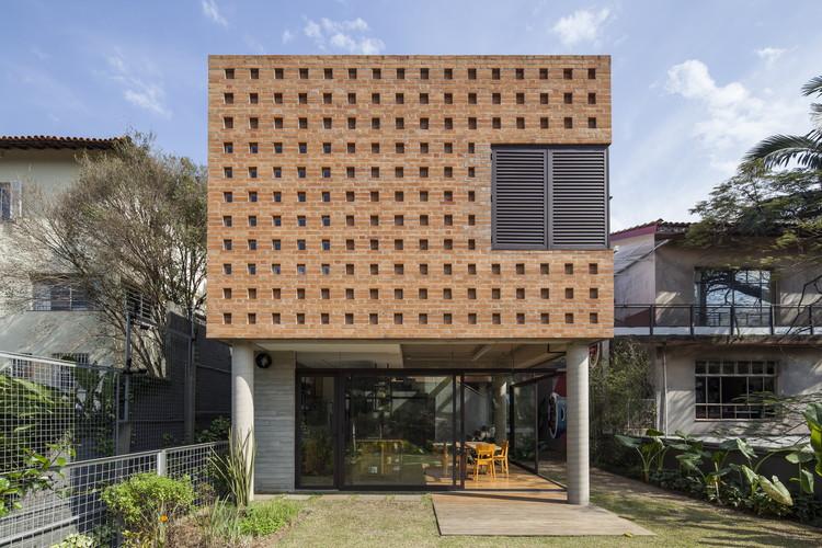 Casa Joazeiro / Cupertino Arquitetura, © Maíra Acayaba