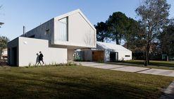Residência Unifamiliar CM / Además arquitectura